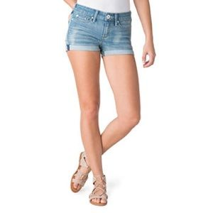 NWOT DECREE WOMEN'S SHORTS WITH FOLDED CUFF